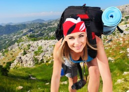 motiva-girl-hiking